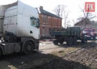 На Кіровоградщині рятувальники надали допомогу 5 автомобілям на складних ділянках автошляхів