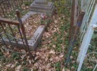 На Кіровоградщині зловмисник здійснював крадіжки металевих огорож із могил