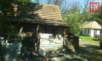 На Кіровоградщині неповнолітні обікрали домоволодіння пенсіонерки