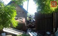На Кіровоградщині вогнеборці тричі гасили пожежі господарських будівель