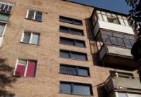 На Кіровоградщині чоловік намагамвся вистрибнути з вікна багатоповерхівки