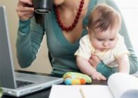 Право на додаткову оплачувану відпустку одинокій матері,  яка працює