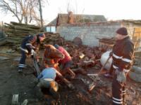 На Кіровоградщині рятувальники надали допомогу по діставанню коня з ями