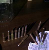 На Кіровоградщині працівники поліції вилучили у приватного підприємця гранату,  зброю та наркотики