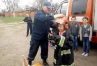 У Кропивницькому рятувальники поспілкувались з учнями школи на теми безпеки