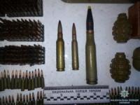 На Кіровоградщині чоловік тримав удома значний арсенал боєприпасів та вибухівки