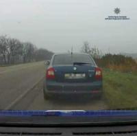 У Кропивницькому через заборгованість зі сплати аліментів у двох керманичів патрульні вилучили посвідчення водія