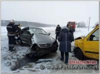 На Кіровоградщині зіткнулися два автомобіля,  є загиблі