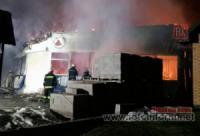 На Кіровоградщині бійці ДСНС ліквідували пожежу павільйону