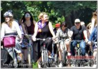 Кропивницький: велопробіг у сукнях та на підборах у фотографіях