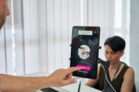Kasta з ПриватБанком та Visa запустили в Україні біометричну оплату покупок KastaID