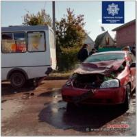 У Кропивницькому легковик зіткнувся з маршруткою