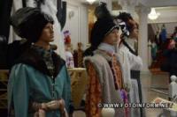 У Кропивницькому відкрилась виставка інсталяцій «Театр на відстані дотику»
