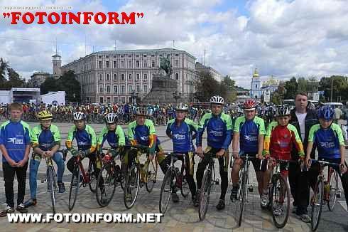 """Фінішувала VII Всеукраїнська велоестафета """"Спорт для всіх єднає Україну!"""" (ФОТО)"""
