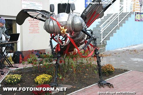 В Кировограде появилось насекомое огромных размеров (ФОТО Игоря Филипенко)